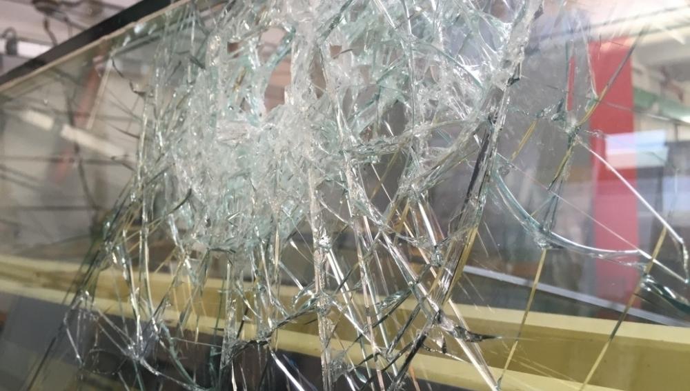 Riparazione e sostituzione vetrine negozi a milano e provincia for Negozi tavoli milano
